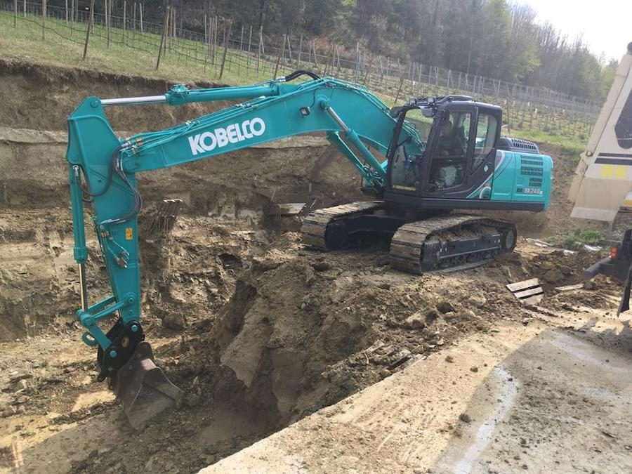 vendita escavatori kobelco